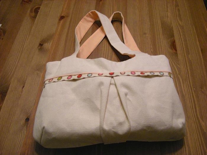 "<a href=""/2009/08/10/nyny-begins-with-a-bag/"">NYNY Begins with a Bag</a>"