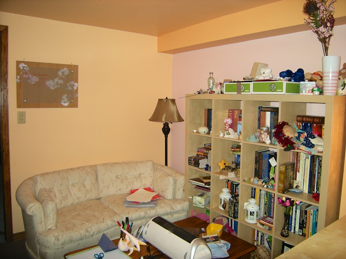 craftroom_couch