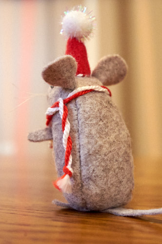 very nice mouse ornament (ann wood handmade)