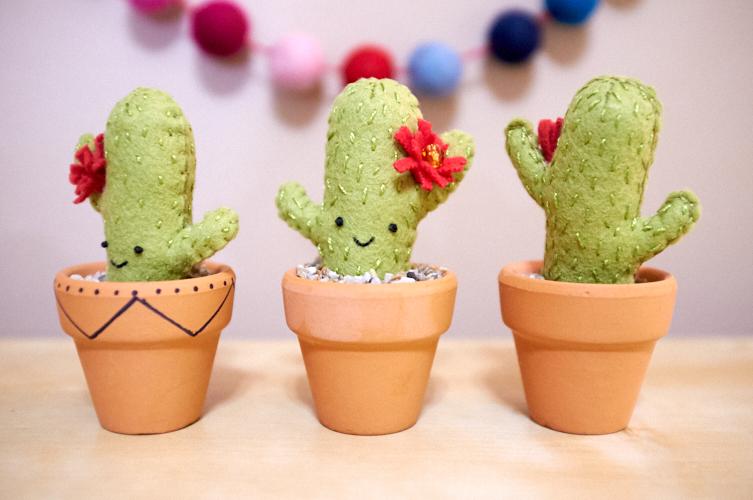 "<a href=""/2018/12/10/mini-felt-cacti/"">Mini Felt Cacti</a>"